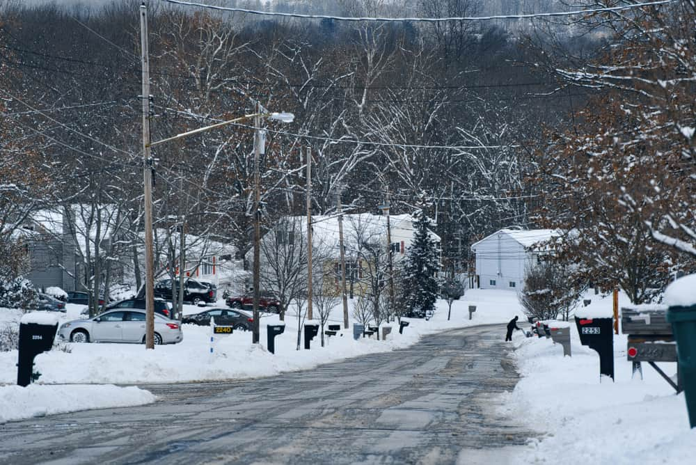 Snowy weather in Copley, OH neighborhood